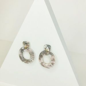 CLOSET REHAB Jewelry - 🆑 Small Oval Drops in Gray